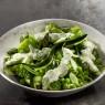 Fertiges Gericht Grüner Krieger im Teller