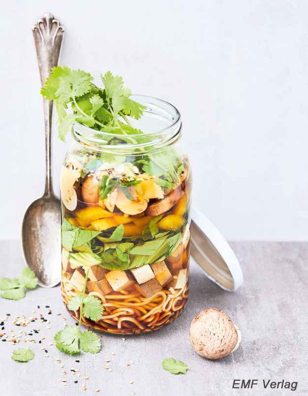 Essen fürs Büro: Bunte Gemüsesuppe mit Tofu To Go