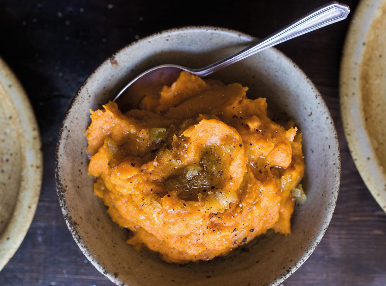 Rezept: Süßkartoffelstampf mit karamellisierten Zwiebeln
