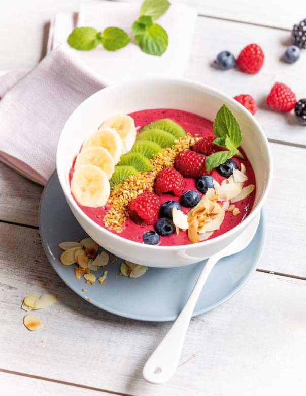 Gesund und lecker: Pink-Smoothie-Bowl
