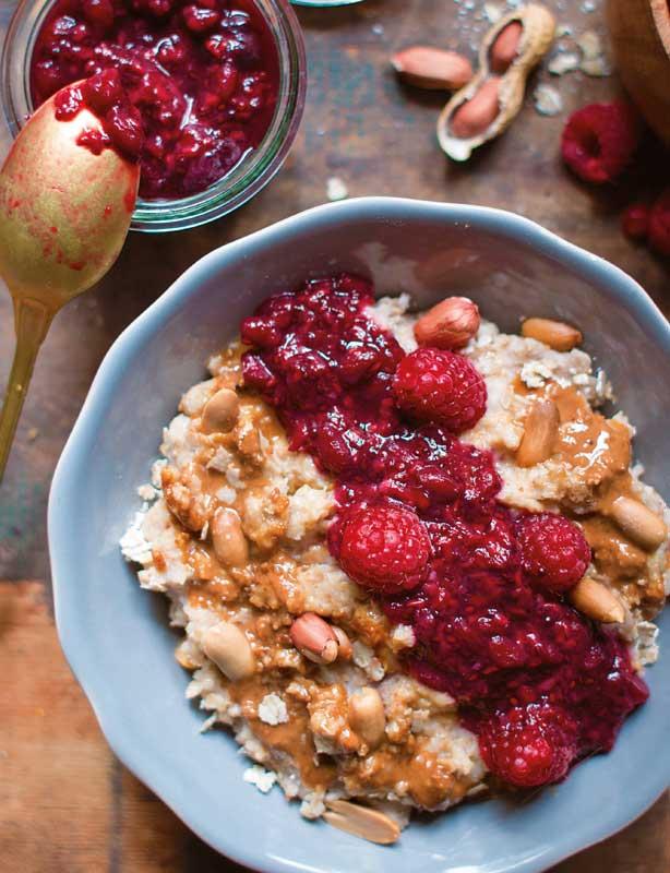 Zum Frühstück: Peanut-Butter-and-Jelly-Bowl
